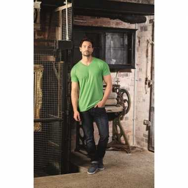Basic v hals t shirt vintage washed lime heren